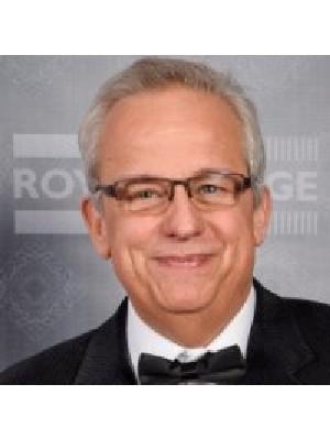 Raymond Favreau