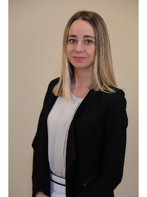 Alejandra Mihic, Sales Representative - Toronto, ON