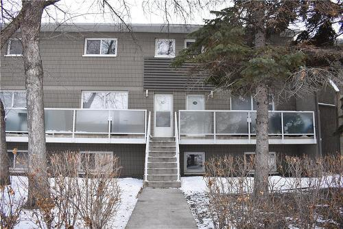 212 Greenway CRES WEST Winnipeg, MB R2Y 1Z2