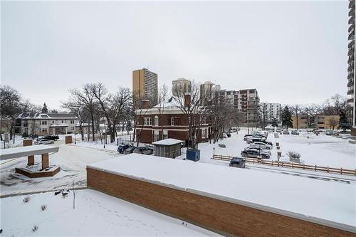 307-230 Roslyn Rd, Winnipeg, MB