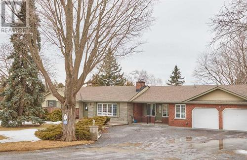 8 Kurve Inn ROAD  Clarington, ON L1B 1L9
