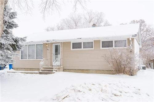 14 Walden CR  Winnipeg, MB R2C 0N4