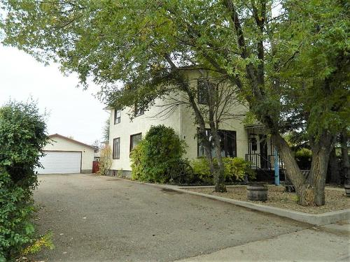 217 1 Avenue East, Oyen, AB