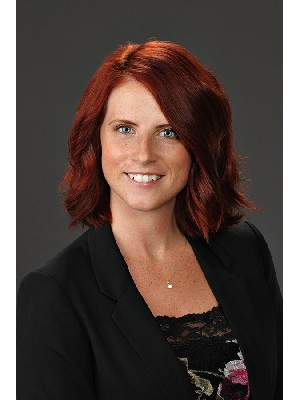 Ashley Klimpke, REALTOR® - Steinbach, MB