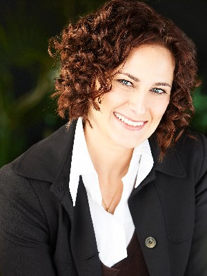 Jennifer Fazari, Sales Representative - Toronto, ON