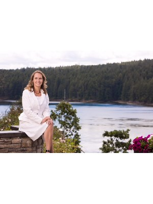 Jennifer Lynch, Broker/Manager - GABRIOLA ISLAND, BC