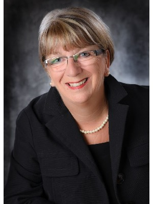 Lorraine McDonald, Sales Representative - COLLINGWOOD, ON