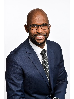 Alpha Diallo, Courtier Immobilier - Laval, QC
